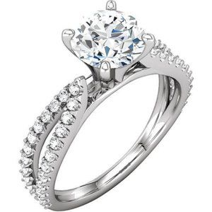 1.97 ct round diamonds solitaire with accents ring